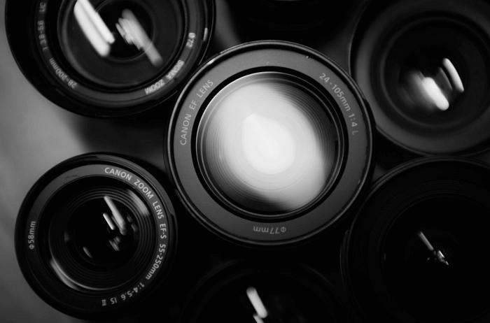 obektivy-smotryashhie-v-kameru